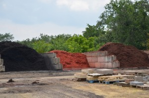Black Red Chocolate Mulch